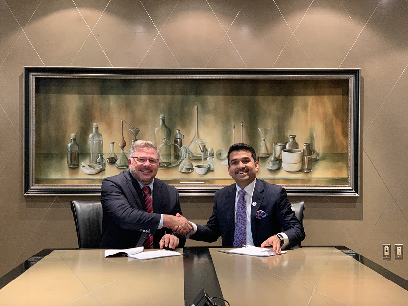 photo vps healthcare chairman managing director dr shamsheer vayalil and apotex president ceo jeff watson signing the agreement in canada