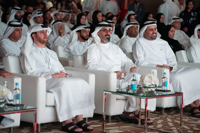 hh sheikh khaled bin mohamed attends abu dhabi private sector forum