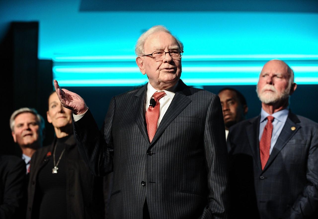Warren Buffett Backs Oxy's Vicki Hollub In $57 Billion Bid For Anadarko Petroleum