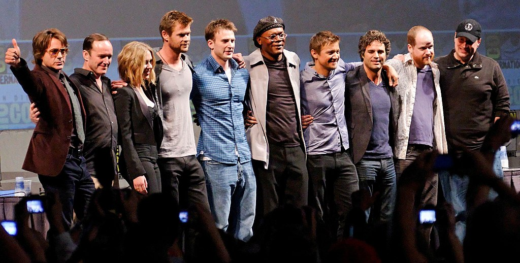 1024px the avengers cast 2010 comic con cropped
