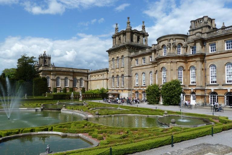 $1.8M Golden Toilet Stolen From Blenheim Palace
