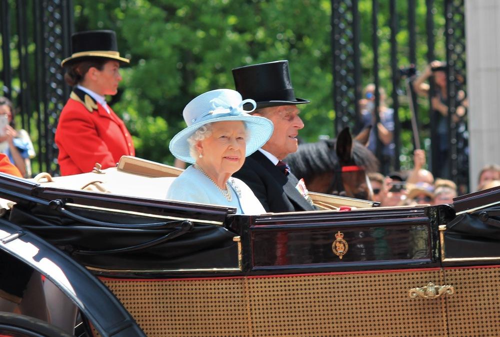 'We Will Overcome': Queen Elizabeth Rallies U.K. Citizens In Rare Televised Address
