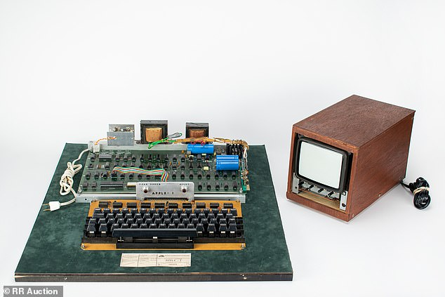 A 1976 Apple-1 PC Just Sold For $400,000 – Here's Why