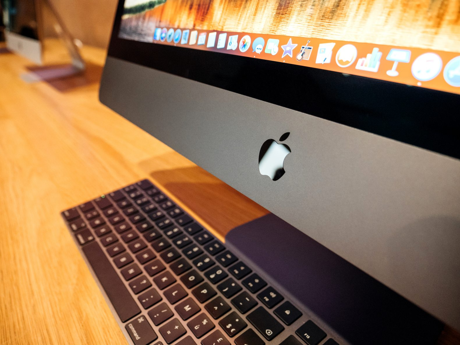 Apple To Ditch Intel Chips In Macs By 2020